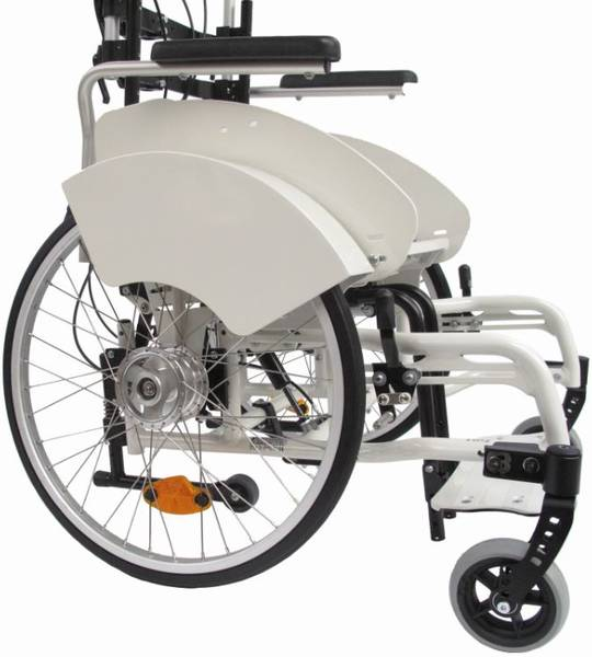 Bilder des Modells Tiltable wheelchair with special side guards