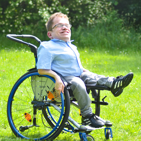 Bilder des Modells Rollstuhl mit Beinlagerung