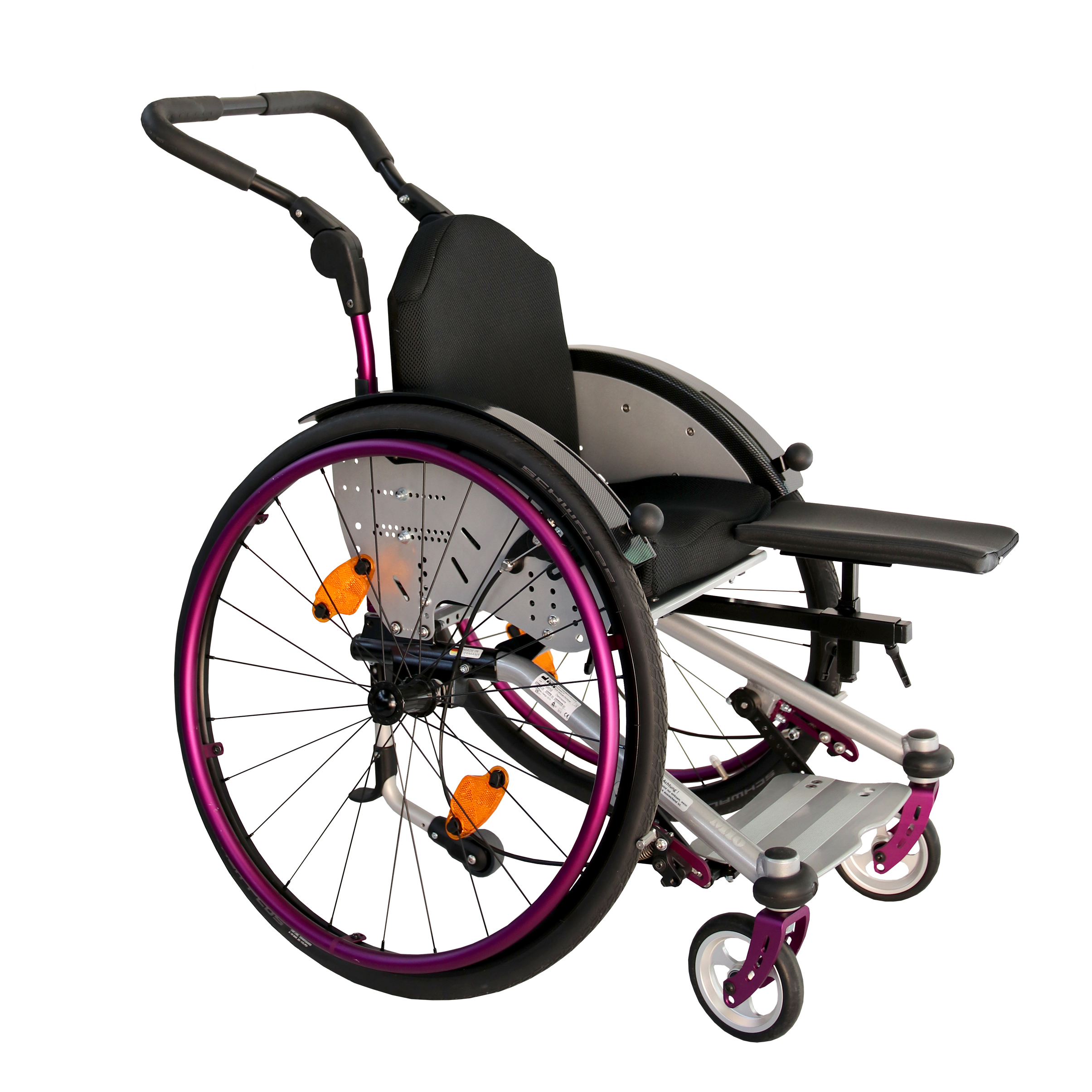 Wheelchair with support for leg