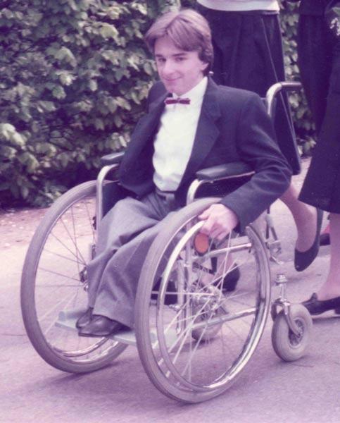 erster Rollstuhl Glasknochen Willy Hagelstein Osteogenesis imperfecta oi