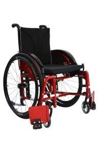 Abgeschwenkte Beinstützen an Aktivrollstuhl Vector BSA